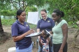 Emma and Rachel discussing students' behavior in Cabeza de Toro.